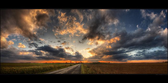 Hungarian skies pt.VII. by realityDream