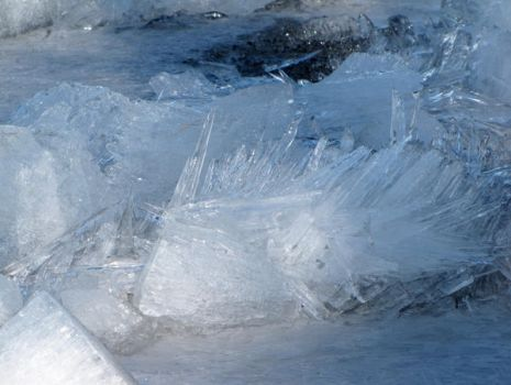 pic2 more ice by Nipntuck3