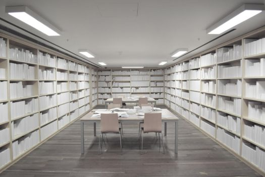 Blank Library by gloestar