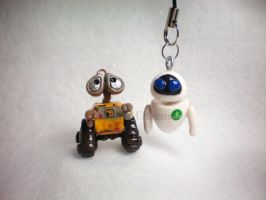Wall e and Eve by OhThePlushabilities