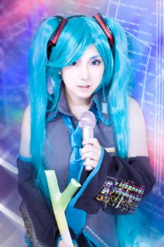 Hatsune Miku by CMOSsPhotography