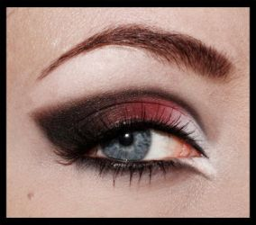 Red and black gothmakeup by aurelia87