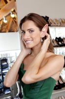 Allison Williams shows off her donkey ears by oneeyedollar