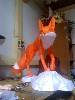 red fox papercraft by nandablank