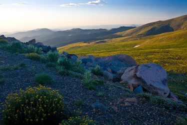 Sunrise from the Mt. Evans byw by PaulGana