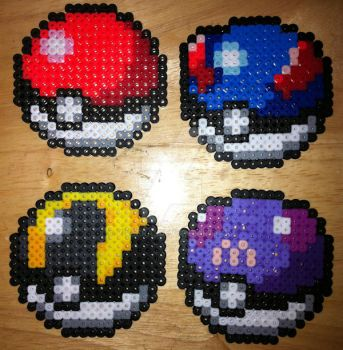 Pokeball Perler Bead Sprites by Viverra1