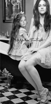 Isabella and Renesmee by MyMuseTwilight