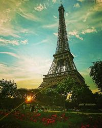 Good evening... from Paris!   by Monomakh