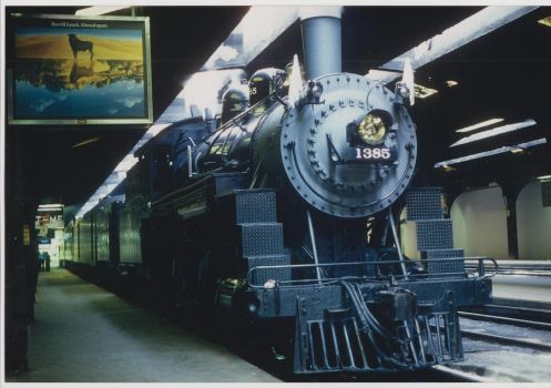 CNW no. 1385 in Chicago terminal by PRR8157