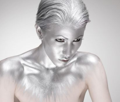 Silver body paint by Ryo-Says-Meow
