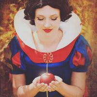 Snow white with apple by MysteriousMaemi