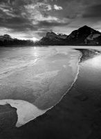 Vermillion Lakes by Brettc