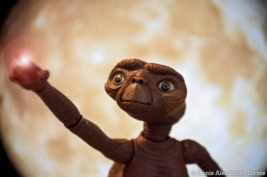 ET PHONE HOME by torreoso