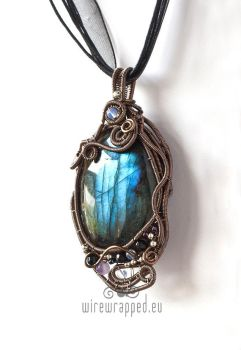 Ancient Forest pendant II by ukapala