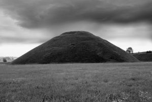 Silbury Hill 4 by CitizenJustin