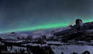 Auroras with Steigtind by SindreAHN