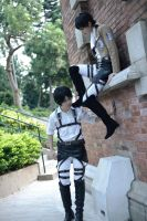 Attack on titan Eren and Levi by Asuka10