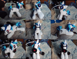 Vinyl Scratch Plushie by Azedo