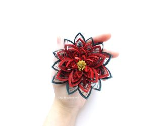 my quilling  traditional poinsettia by othewhitewizard