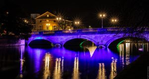 Bedford by Night (4) by Mincingyoda