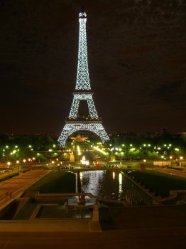Paris at night by Ana-mcara