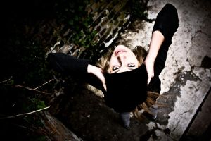 Isabella_upsidedown by d3usm4ximus