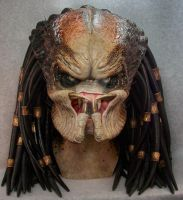 Lifesize Predator head by mangrasshopper