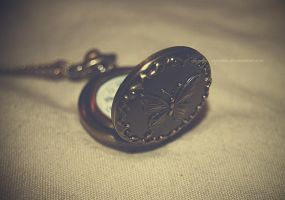 Stop the time... by claudia-segarra
