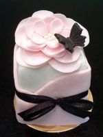 Full Bloom Mini Cake by Sliceofcake
