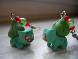 Bulbasaur earrings by geekySquirrel