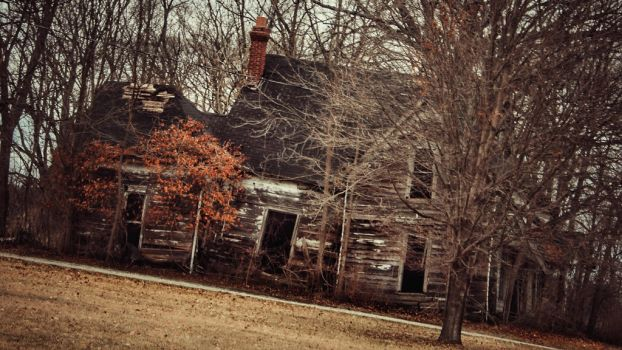 Spooky Old House by TobyWoby36