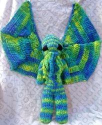 Female Cthulhu Amigurumi Doll by voxmortuum