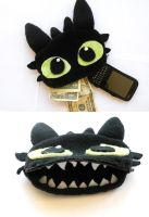 Toothless Phone/Money Pouch by lemon-stockings