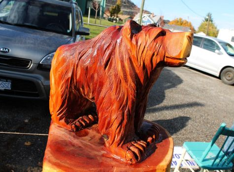 bear carving by Chainsaw-M-Carvings