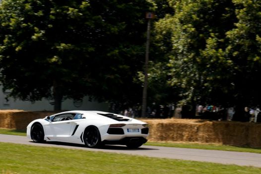 White Aventador LP 700-4 by TVRfan