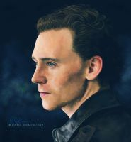 Tom Hiddleston by mittw0ch