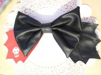Toothless Inspired Bow by fullmoonnightonigiri