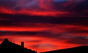 The Sky burns red. by Roky320