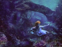 underwater queen by LenaSunny