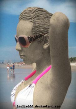 Beach, bikini and statue by Leslie666