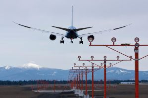 Dreamliner Short Final by GrinchWSLG