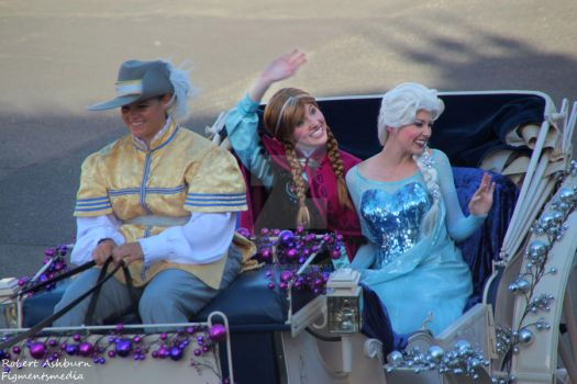 Disney Parks Christmas Day Parade - Frozen by Figmentsmedia