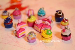 Cupcakes and pie polymer clay by Nelespolymerclay