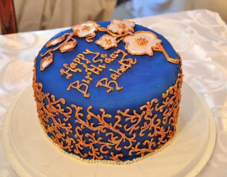 Curly-whirly blue cake by the-hermit-crab