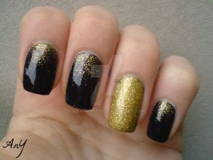 Navy Blue And Gold Nail Elegance