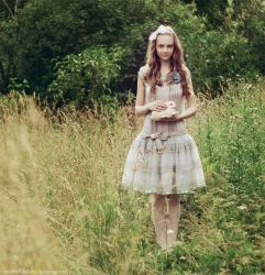 Alice by Snowfall-lullaby