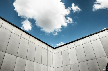 Clouds over the wall by Man90Ray