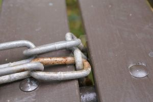 Rusty chain by MissManic7910