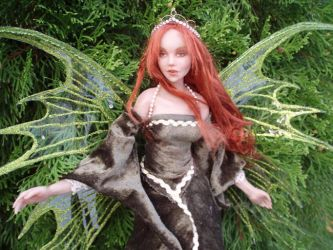 Poseable fairy lady by TatharielCreations