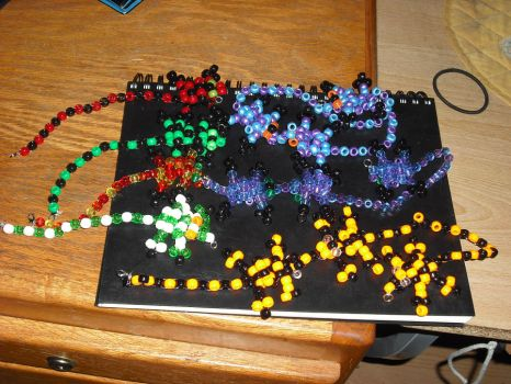 Kandi Lizards by Societies-C-Section